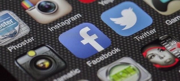 EEUU demanda a Facebook por monopolio.